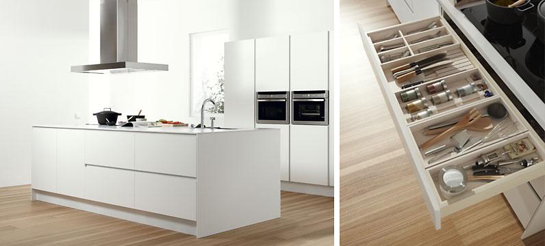Muebles en blanco ideas de disenos for Lacar muebles en blanco