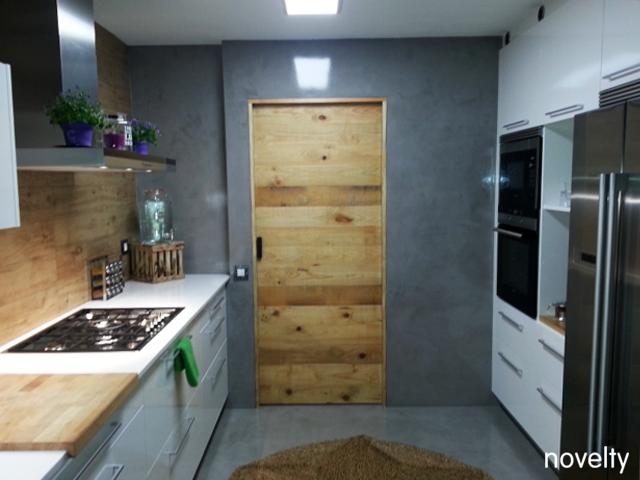 Reforma muebles cocina Cubelles Dica Milano Blanco Polar Paret Microcemento -Novelty Cuines